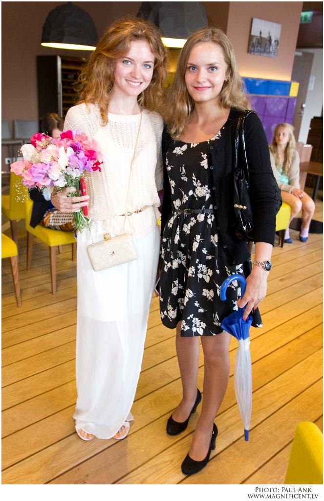 Smmer Fashion Cruise fashion show 8