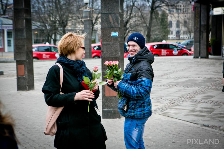 первые цветы 13